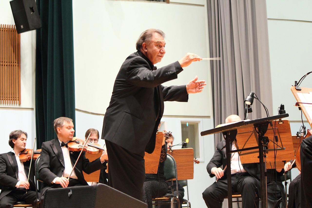 Картинки дирижер с оркестром