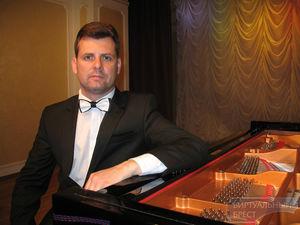 Блинов Юрий  (фортепиано)
