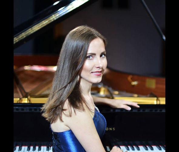 Архангельская Юлия (фортепиано)