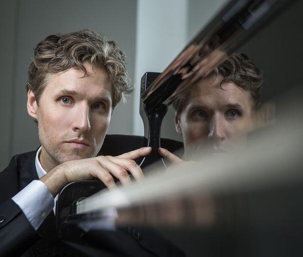Алекна Габриэлиус (фортепиано)