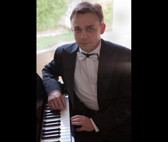 Смирнов Сергей Е. (фортепиано)