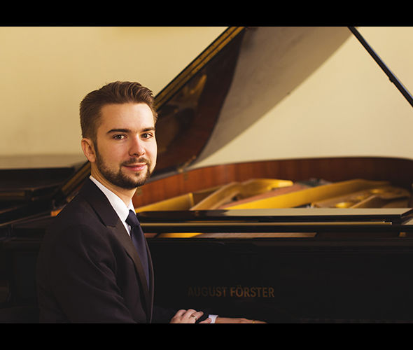 Шаплыко Артём (фортепиано)