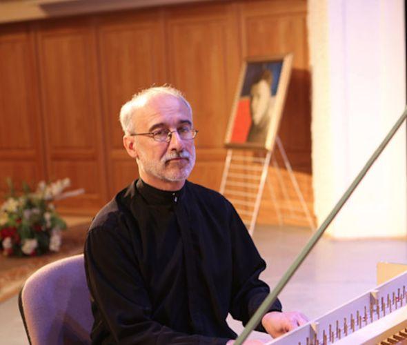 Зубов Дмитрий (фортепиано, клавесин, дирижер)
